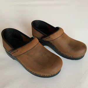 Dansko Professional Clog Brown antique leather 38
